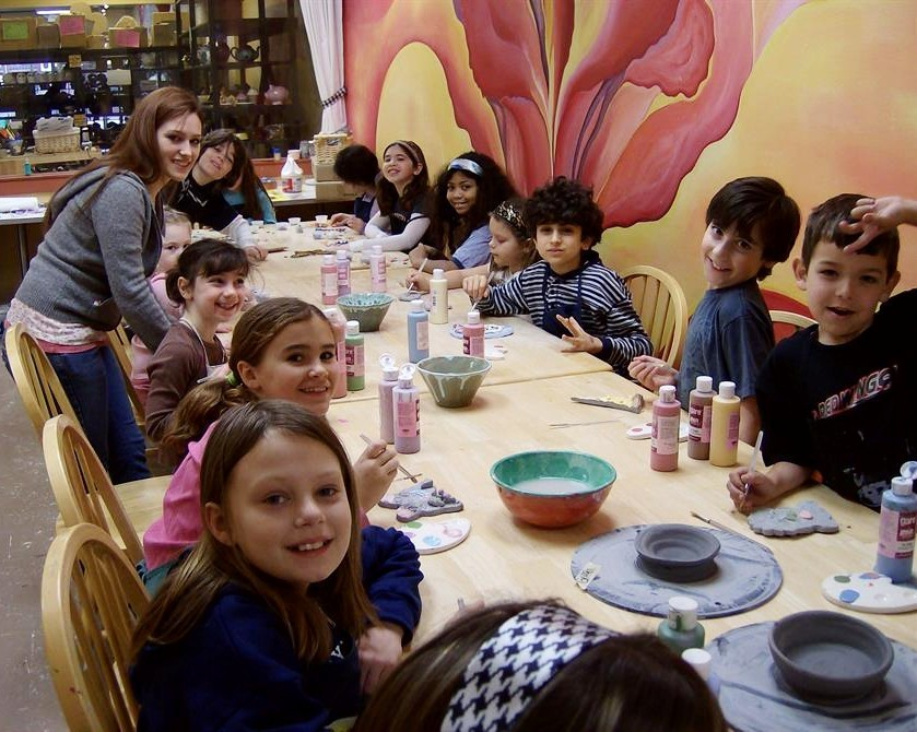 """<span style=""""font-size:36px""""><strong>Holiday Break Art Camp</strong></span>"""
